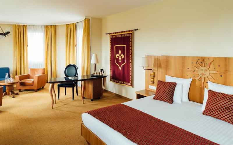 Vienna House Dream Castle 4* (Диснейленд)